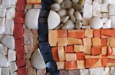 природный камень, галька и смальта